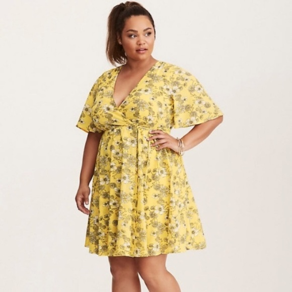 057a6dafd8 Torrid Yellow Floral Crepe Wrap Dress 24